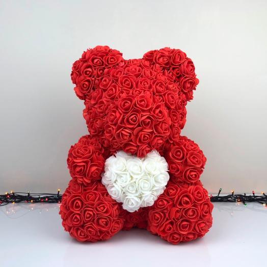 Мишка из красных роз с сердцем