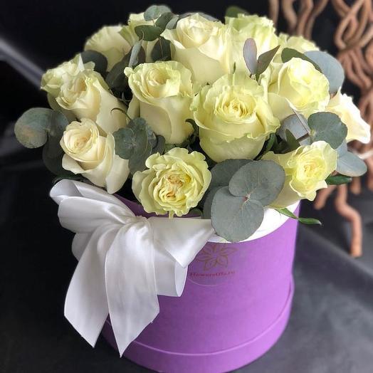 Шляпная коробка с розами Мондиаль: букеты цветов на заказ Flowwow