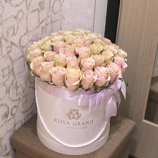 До 75 эквадорских роз в белой коробке: букеты цветов на заказ Flowwow