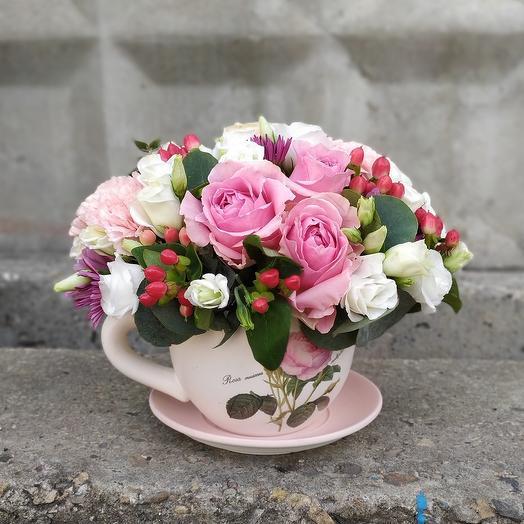 Композиция в чашке Куршевель: букеты цветов на заказ Flowwow
