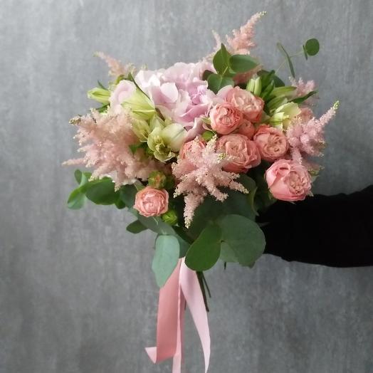 Европейский букет с гортензией, пионовидной розой и астильбой: букеты цветов на заказ Flowwow