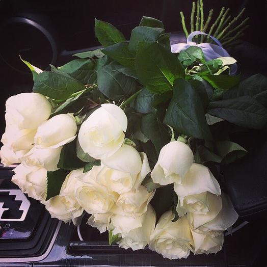 Букет белоснежных роз: букеты цветов на заказ Flowwow
