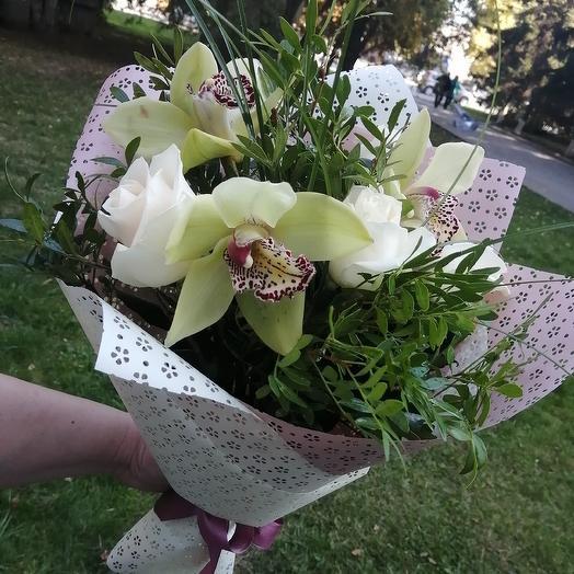 Зелёная орхидея с белой розой: букеты цветов на заказ Flowwow