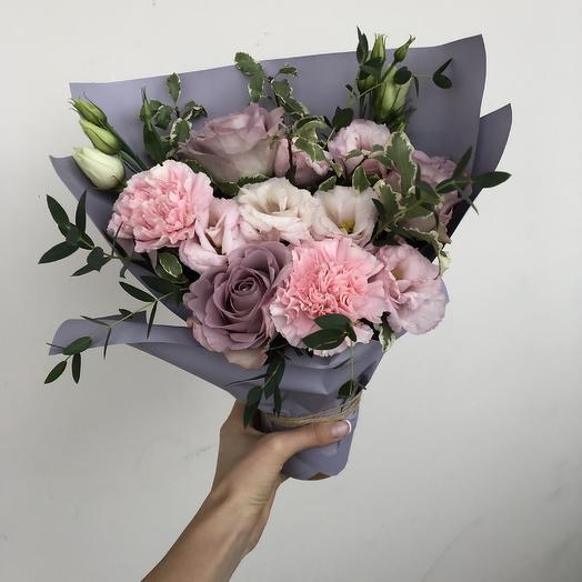 Коробочка комплимет: букеты цветов на заказ Flowwow