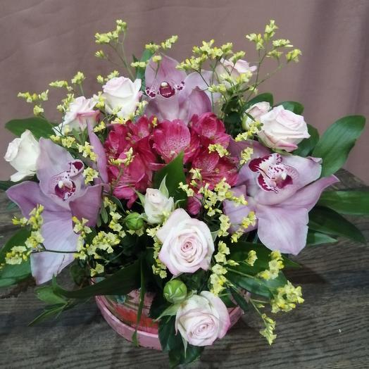 Коробочка с розой и орхидеей