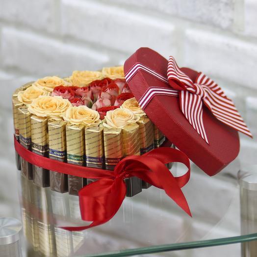 Сердце из конфет с розами: букеты цветов на заказ Flowwow
