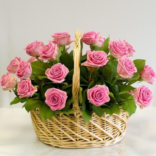 Корзина из роз Аква