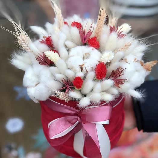 Шляпная коробка с сухоцветами: букеты цветов на заказ Flowwow