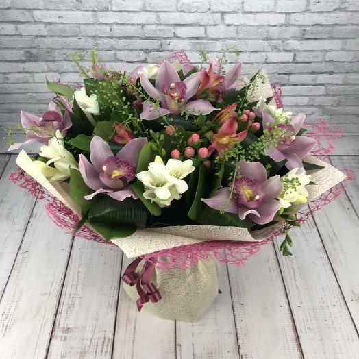 Нежное творение: букеты цветов на заказ Flowwow