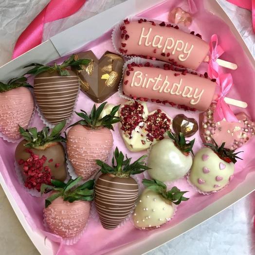 Десерт с шоколадными сердцами