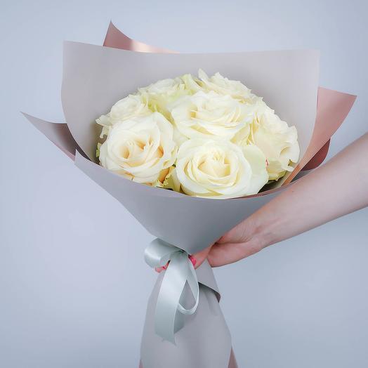 7 белых роз премиум класса