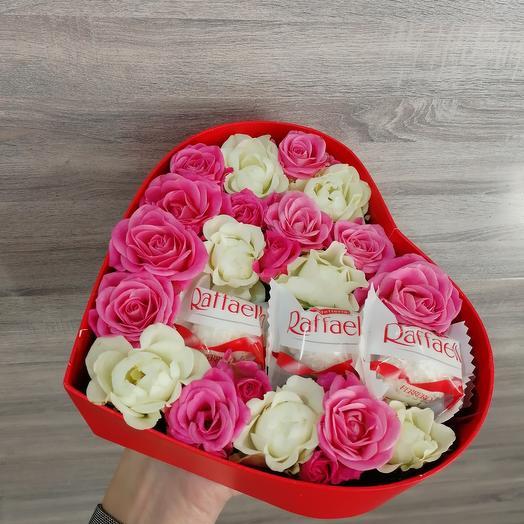 ✅ Сердечко из роз с конфетами Love