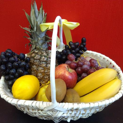 Корзина с фруктами Тропик