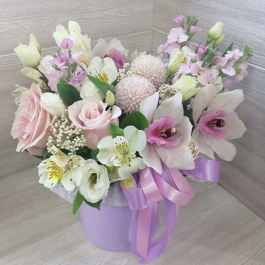 Нежный бокс💞 с маттиолой, и орхидеей (цимбидиумом)