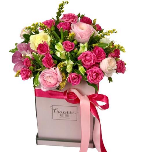 Цветы в коробке «Сладкая Мечта»