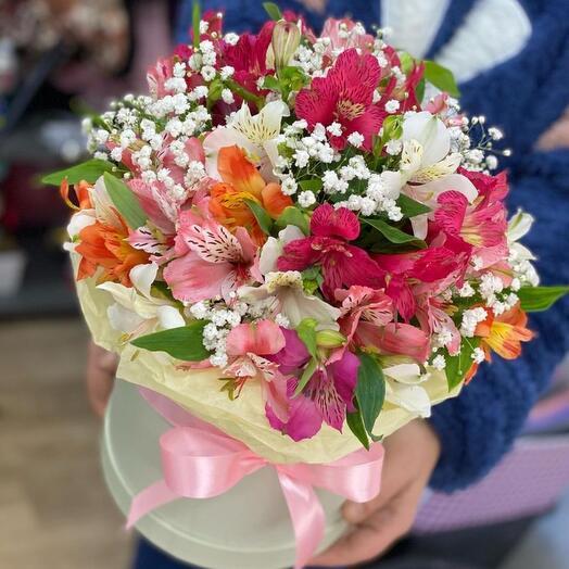 Цветы в коробке «Моя радость»