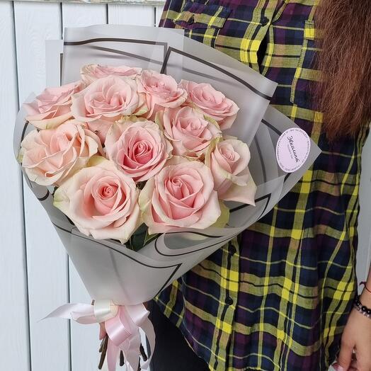 Mono of roses