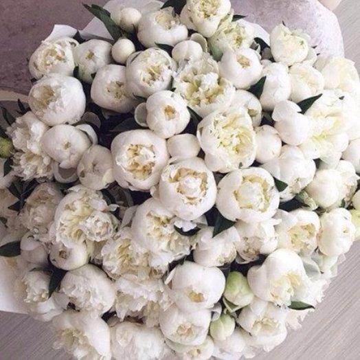Букет из 101 белого пиона: букеты цветов на заказ Flowwow