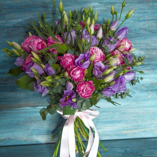 Букет из эустомы и кустовых пионовидных роз: букеты цветов на заказ Flowwow