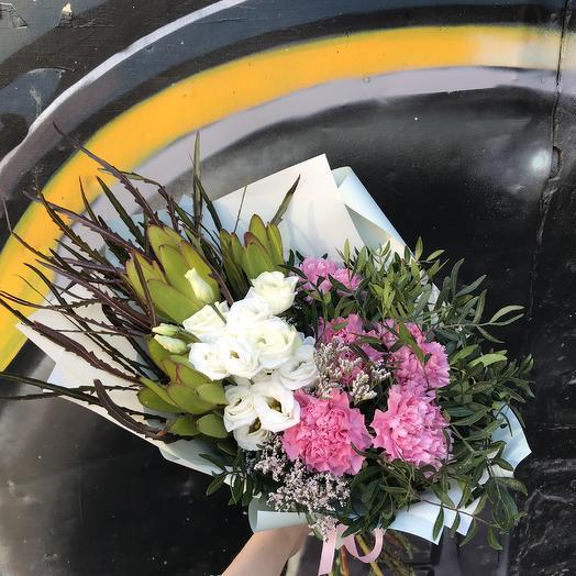 Яркий космос: букеты цветов на заказ Flowwow