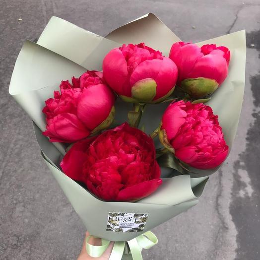 Букет с винными пионами: букеты цветов на заказ Flowwow