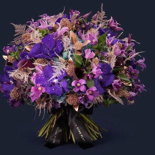 Королева Виктория: букеты цветов на заказ Flowwow