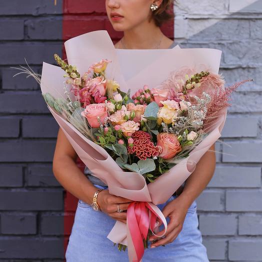 Нежный букет из сезонных цветов: букеты цветов на заказ Flowwow