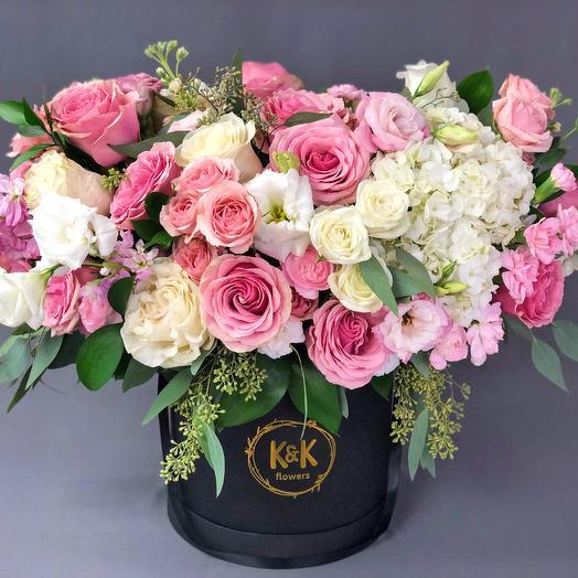 XXL Hat Box Arrangement 3: flowers to order Flowwow