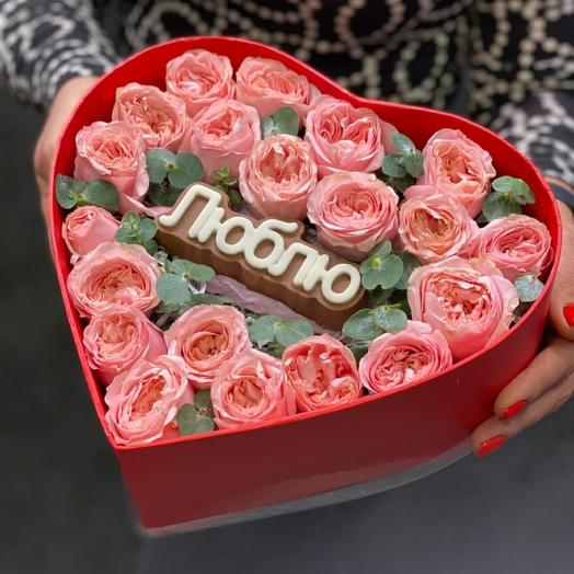 Сердце с розами и шоколадом: букеты цветов на заказ Flowwow