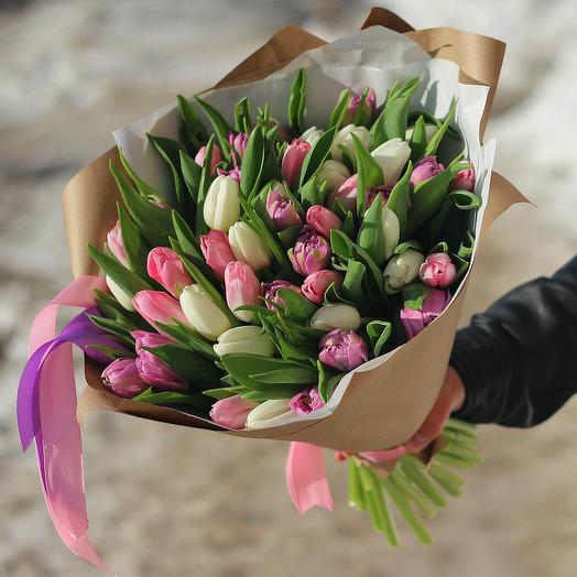 Нежный тюльпан: букеты цветов на заказ Flowwow
