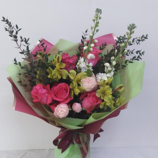 Букет с розами и матиолой: букеты цветов на заказ Flowwow