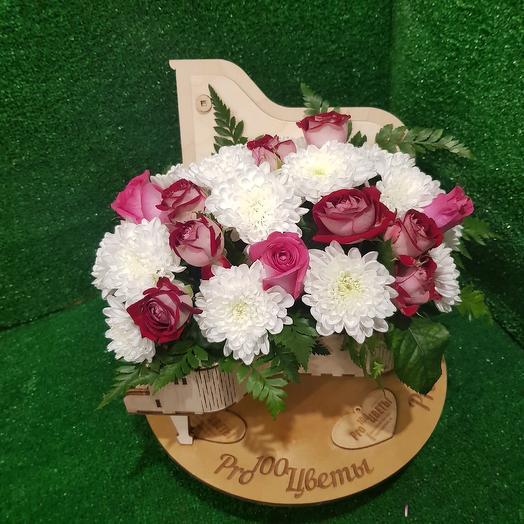 Рояль с пионовидной розочкой: букеты цветов на заказ Flowwow