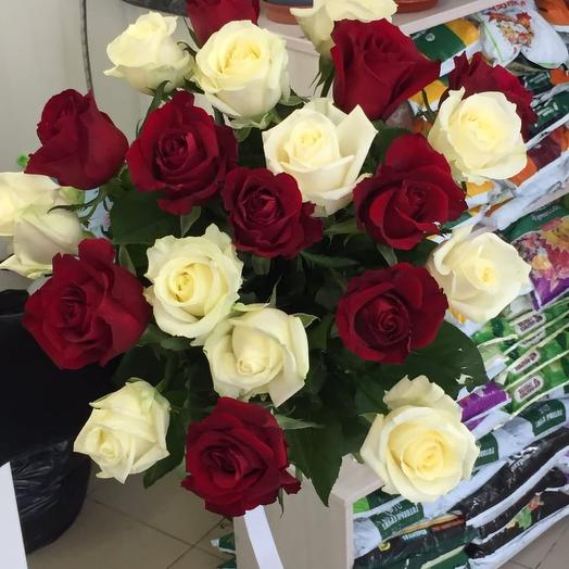 21 роза Микс 50 см