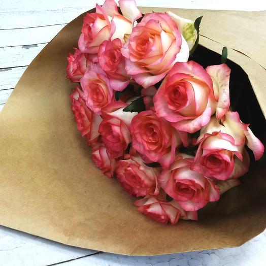 Роза Джумилия 50 см, 19 шт. в крафте