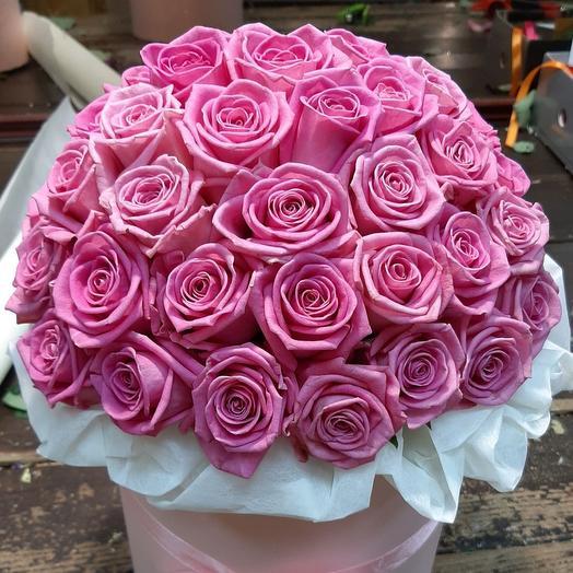 55 розовых роз в дизайнерской коробке