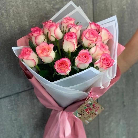 15 роз в упаковке