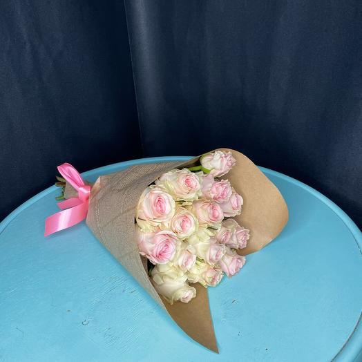 Моно букет из 15 роз