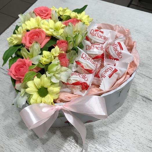 Цветы в коробке Сердце