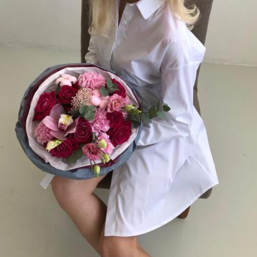 Розовая помпушка