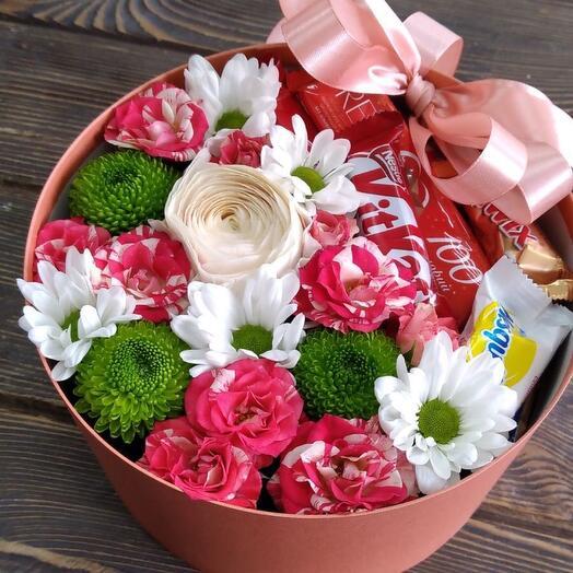 Цветы в коробке Сладкое счастье