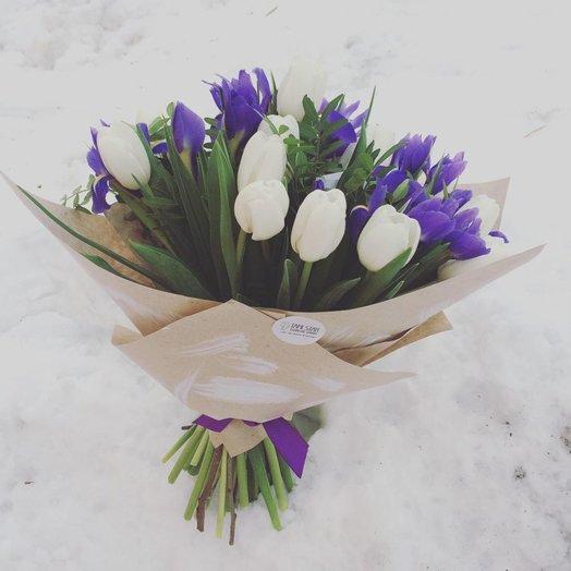 Бело-синий сюрприз: букеты цветов на заказ Flowwow