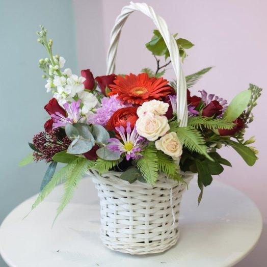Корзина с герберой: букеты цветов на заказ Flowwow