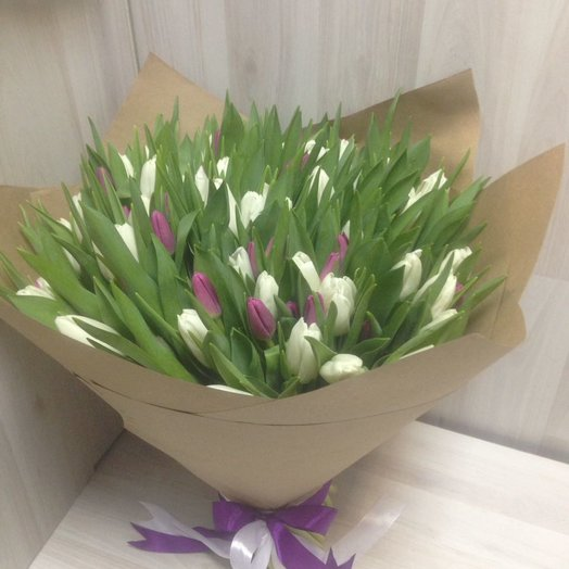 Лепестки тюльпана: букеты цветов на заказ Flowwow