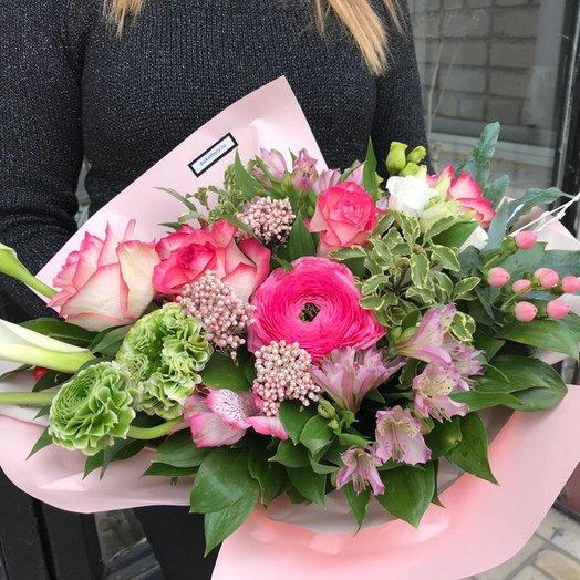 Букет с альстромерией и ранункулюсом: букеты цветов на заказ Flowwow