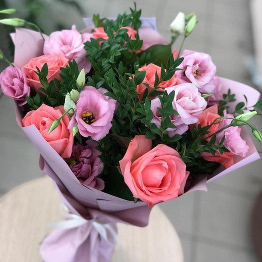 """Букет с розой и эустомами """"Цветочный рай"""""""