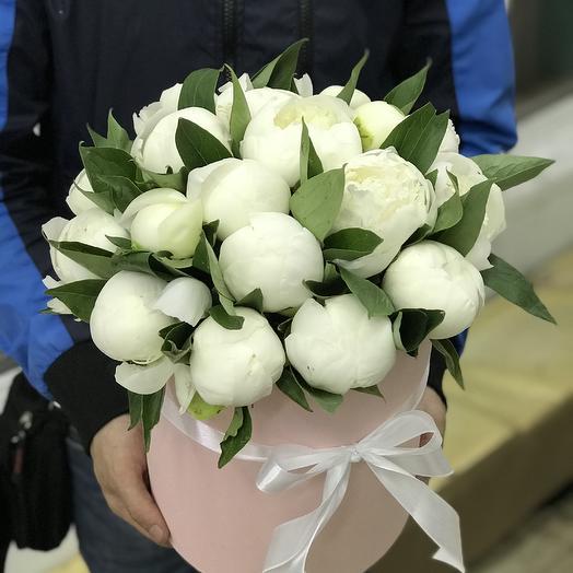 Белоснежные пионы в Коробке: букеты цветов на заказ Flowwow