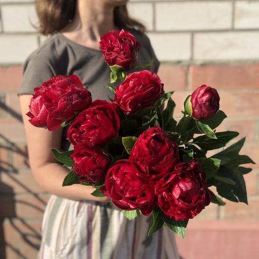 Букет из 9 красных пионов: букеты цветов на заказ Flowwow
