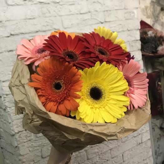 Огромная  яркая гербера по супер цене: букеты цветов на заказ Flowwow