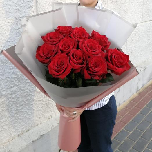 Большой букет из 11 красных роз