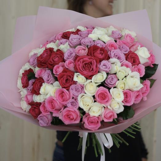 Моно-букет из 111 роз: букеты цветов на заказ Flowwow